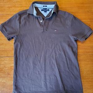 Tommy Hilfiger brown slim fit polo. Size M EUC